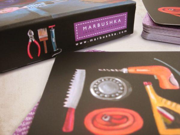 EH-que-hay-en-el-garage-juego-de-mesa-Marbushka4