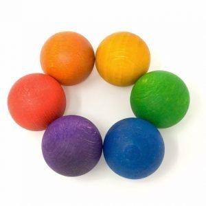 Bolas en los colores del arcoíris Grapat