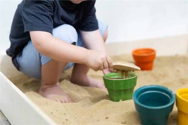 set-de-jardineria-herramientas-de-juguete-plantoys2